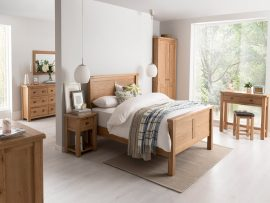 Brreze Oak Bedroom Set